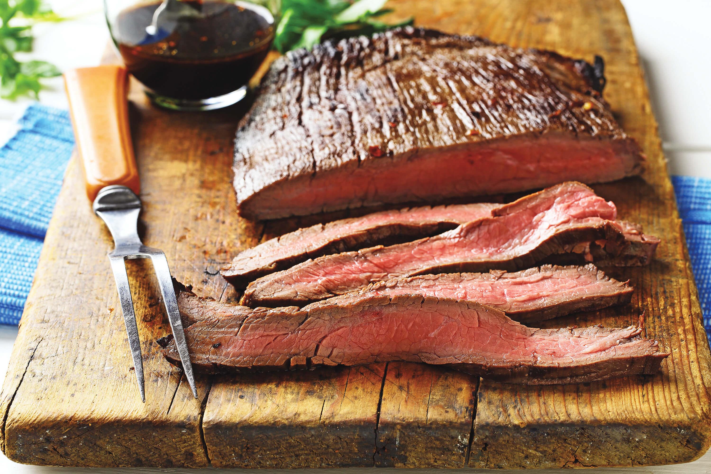 Tranche de flan steak sur la planche