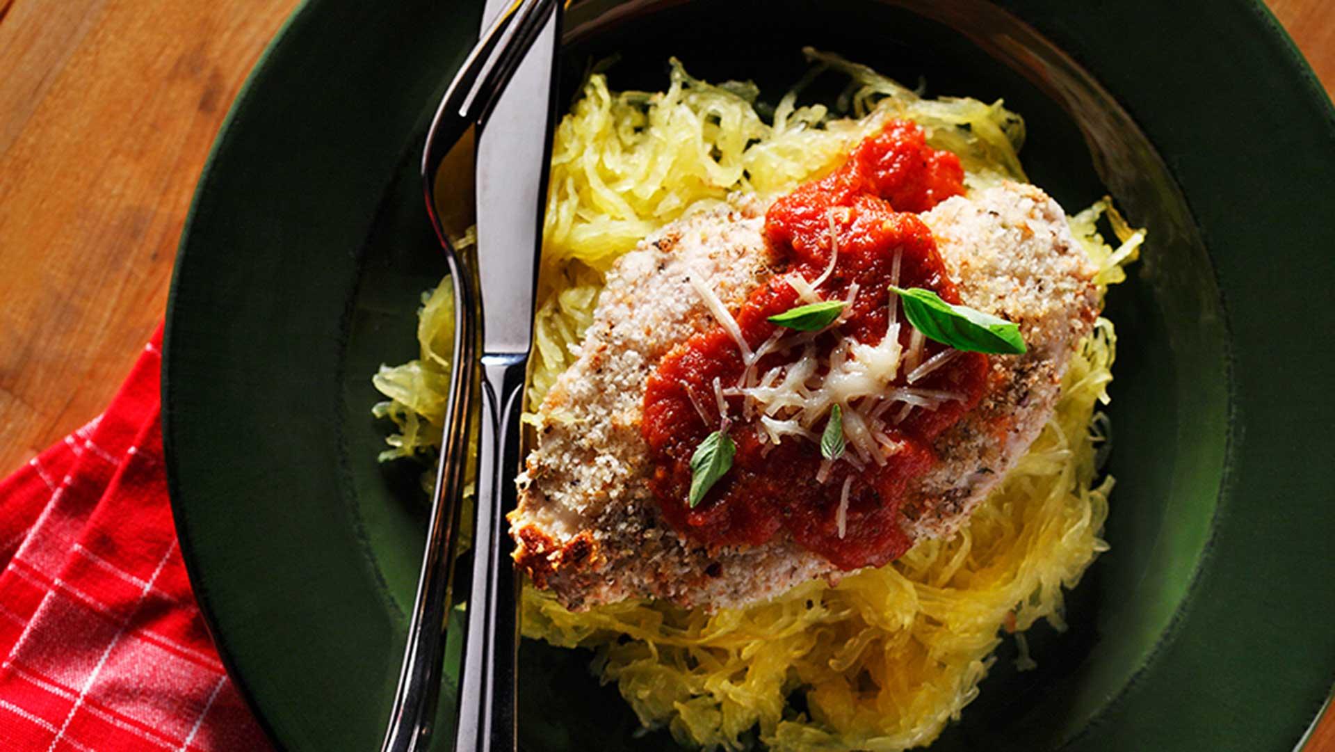 parmigiana de poulet avec la courge spaghetti
