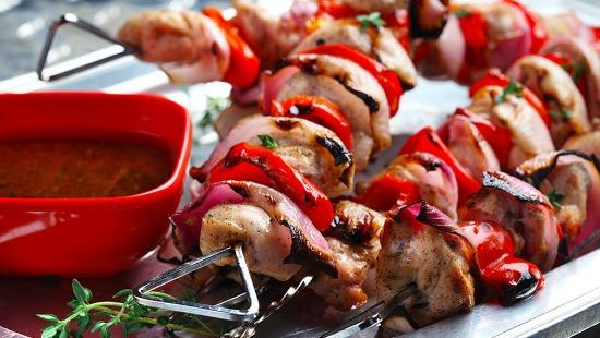 Brochettes de poulet avec lime et épices