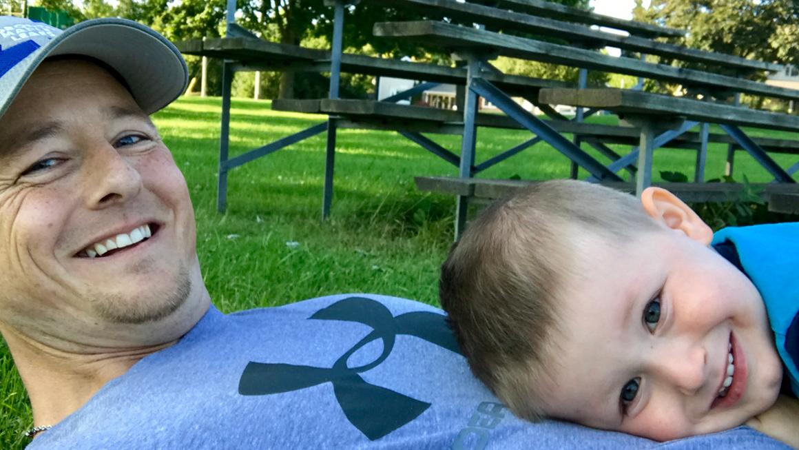 Jason Gaudette en compagnie de son fils Leighton