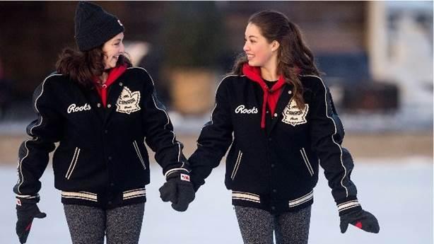 <p>Isabelle Brasseur patine avec sa fille Gabriella. </p>