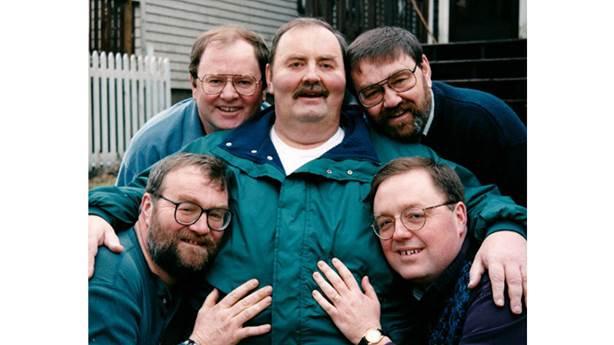 <p>Tim Westhaver (en bas à droite) avec ses frères</p> <p></p>