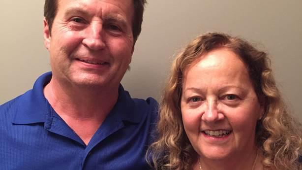 <p>Donna Sharman avec son mari, Andy</p>