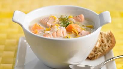 Chaudrée au maïs, aux patates douces et au saumon