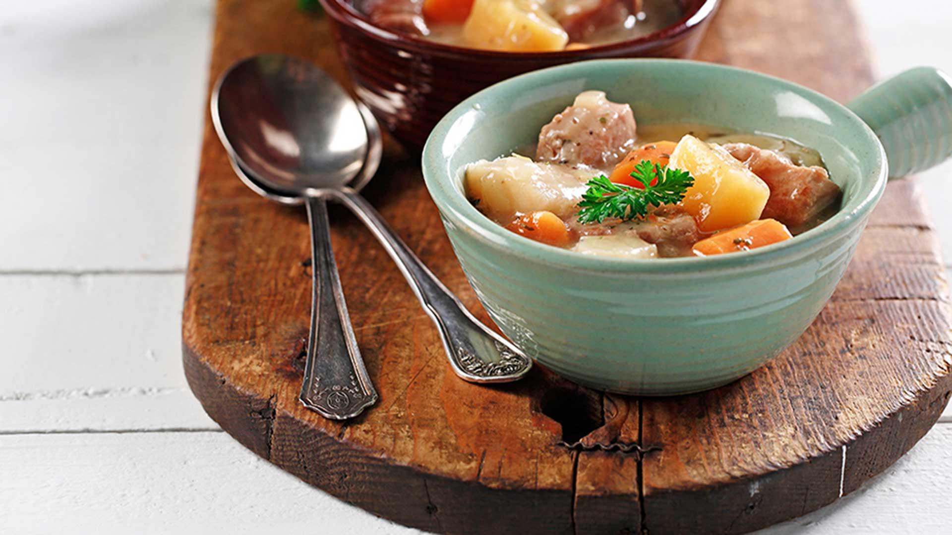 Ragoût de porc et de légumes racines